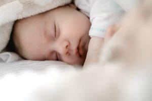 Moms, Ini Cara Memilih AC yang Tepat Bagi Bayi